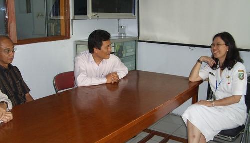 dr. Sriwulani, SpR,M.KEs (Kapus Puskesmas Mojoagung) dan tamu