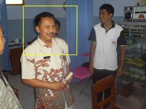 Kadinkes Jombang mengunjungi Poli Akupuntur